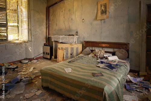 Fotografie, Obraz  Urbex Villa Delle Cener Camera da Letto