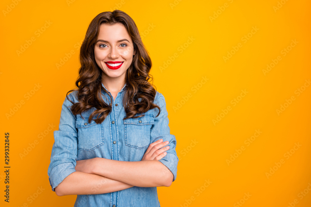 Fototapety, obrazy: Photo of cheerful positive cute sweet pretty business partner standing confidently with arms crossed smiling toothily isolated over vivid color background