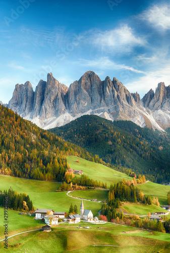 Foto auf Gartenposter Landschaft Beautiful landscape of Italian dolomites - Santa maddalena