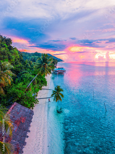 Fotomural Magical sunset in Raja Ampat Paradise in Indonesia.