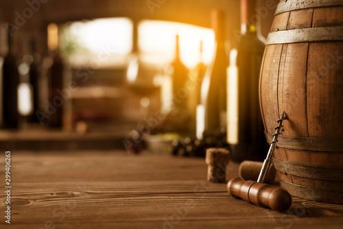 Pinturas sobre lienzo  Wine tasting in the cellar and vintage corkscrew