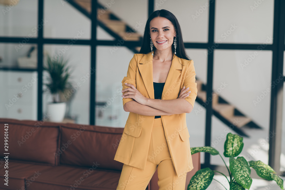 Fototapeta Portrait of her she nice-looking attractive glamorous lovely stunning cheerful cheery lady model start-up investment home designer in modern style interior glass open space room flat house