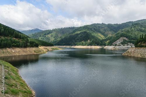 Photo Pecingeanu dam lake on Dambovita river