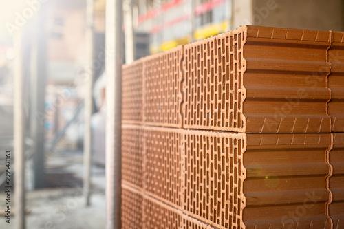 Budowa domu - pustaki - fototapety na wymiar