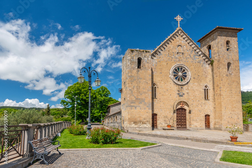 Photo San Salvatore church in Bolsena, near Bolsena lake, Lazio, Italy.