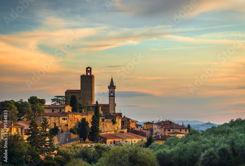 Vinci, Leonardo birthplace, view and bell tower of the church Tablou Canvas