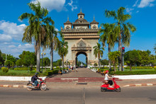 Patuxai Gate In The Thannon La...