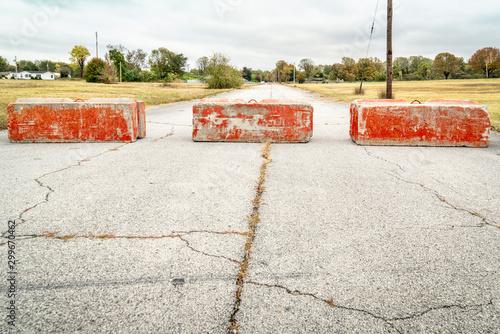 Photo Heavy concrete roadblocks