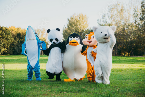 Group of animals mascots doing party Slika na platnu