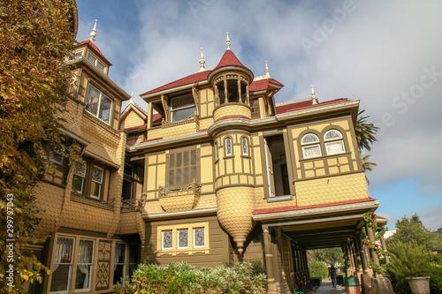Obraz na płótnie California, USA-December 12,2018: The garden at Winchester house is ghost house