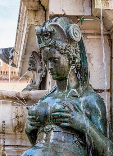 Fotobehang Historisch mon. Fountain of Neptune, detailed view, Piazza del Nettuno, Bologna, Emilia-Romagna, Italy