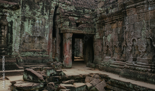 Photo Cambodian Acient Murals and cave paintings on Agkor Wat temple walls