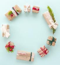 Christmas Circle Floral Compos...