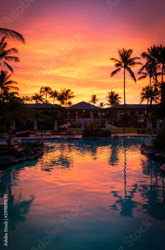 Fotobehang Oranje eclat Sunrise over a Hotel on the Big Island, Hawaii