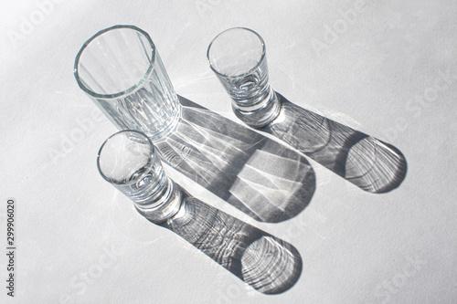 Valokuvatapetti light passing through  сrystal glass. caustic effect.