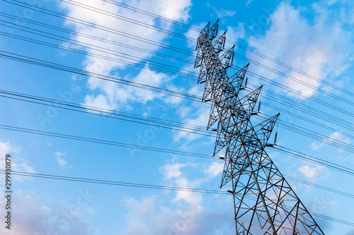 Pinturas sobre lienzo  Power tower and blue sky background