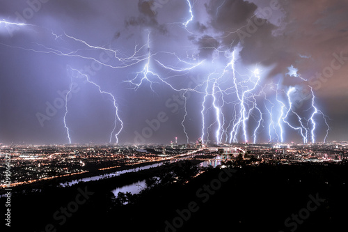 Obraz Blitze über Wien - fototapety do salonu