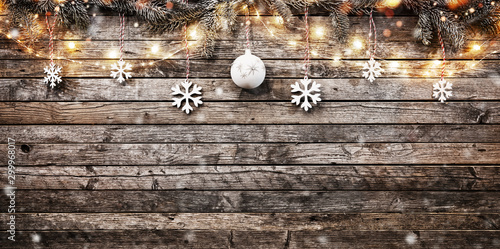 Decorative Christmas garlands with free space - 299968017