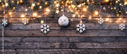 In de dag Bol Decorative Christmas garlands with free space