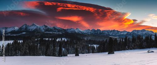 Obraz Amazing sunset in Lapszanka with a view to Tatra Mountains in Poland  - fototapety do salonu