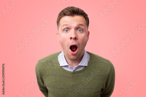 Fotografia Young man with a shocked facial expression