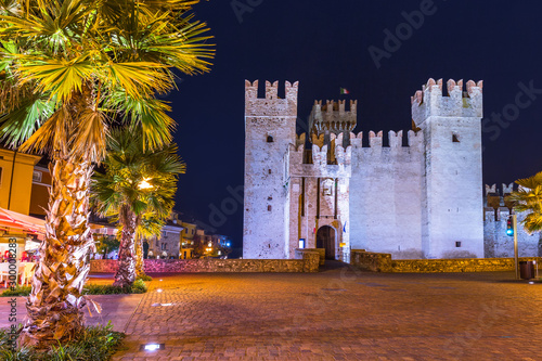 Staande foto Oude gebouw Architecture of Scaligero Castle at Garda lake in Sirmione, Italy