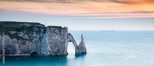 coastal landscape along the Falaise d'Aval the famous white cliffs of Etretat vi Fototapeta