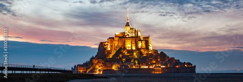 Fotografija  tidelands with Mont Saint-Michel, English Channel, Way of St