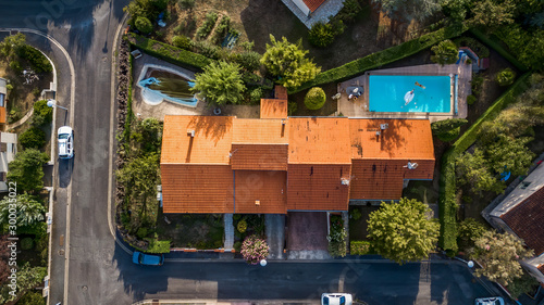 Photo Aerial drone View of typical Toulouse red brick house in South France