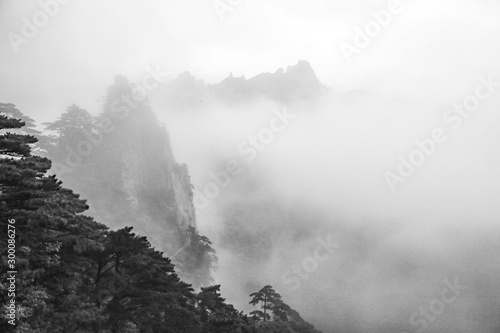 morning-mist-in-the-haungshan-national-park-china-black-and-white-version