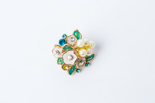 LWTWL0007727 Brooch With White...