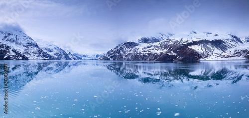 Fotobehang Reflectie Glacier Bay National Park, Alaska, USA, is a natural heritage of the world, global warming, melting glaciers