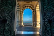 Porte D'entrée De La Cathédr...