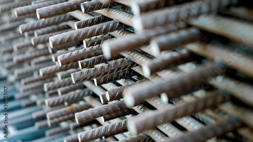 Fotografia Construction rebar steel work reinforcement in concrete structure of building