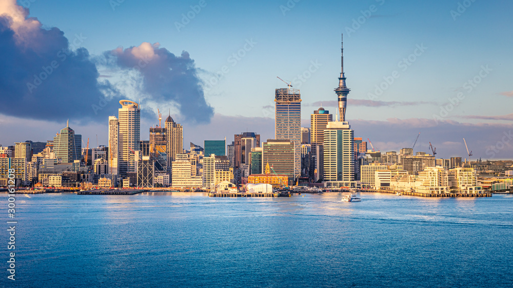 Fototapeta Auckland skyline at sunrise, Auckland, New Zealand