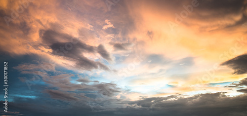 Obraz Beautiful sky with cloud sunset - fototapety do salonu