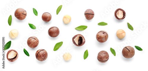 obraz PCV Tasty macadamia nuts on white background
