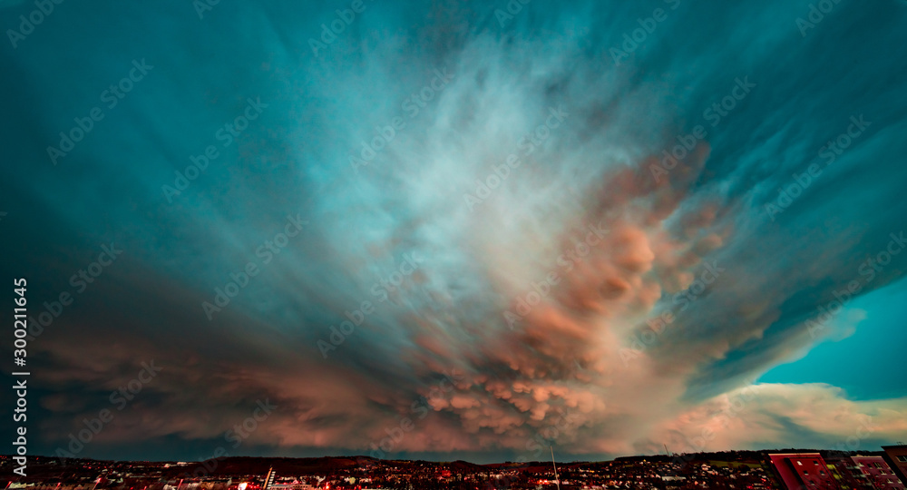 Fototapety, obrazy: Dramatic sky during a thunderstorm