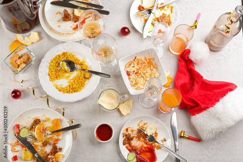 Fotografía Flat lay composition of food leftovers after party on table