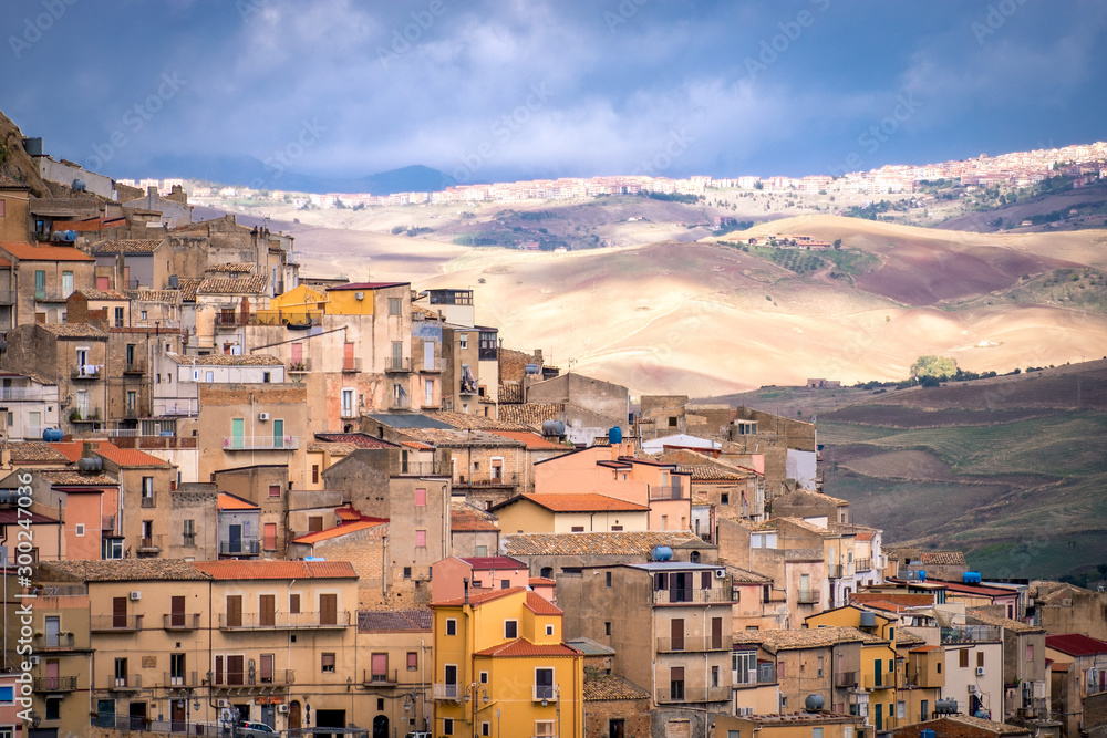 Fototapety, obrazy: Landscape with old houses of Mountainous Sicilian town Gagliano Castelferrato, Italy