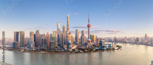 Foto op Plexiglas Panoramafoto s shanghai skyline panorama in sunset