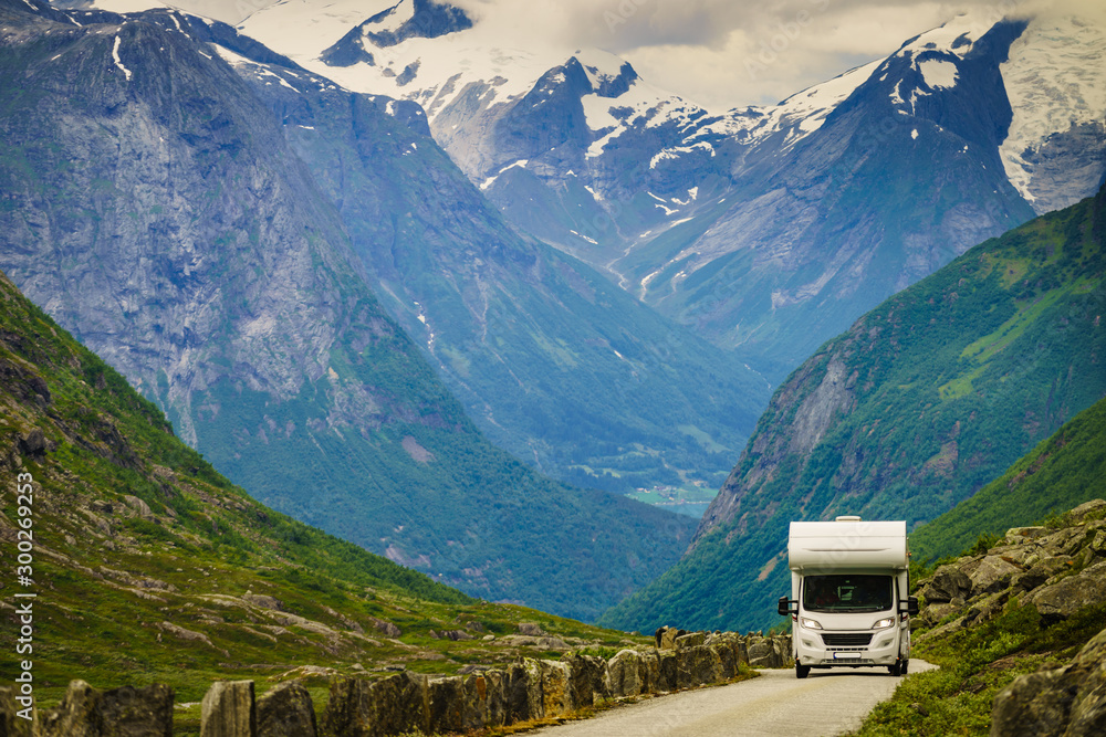 Fototapety, obrazy: Camper car in norwegian mountains