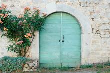 Une Vieille Porte En Bois Bleu...