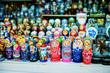Leinwanddruck Bild - Christmas Market, souvenir Russian matryoshka