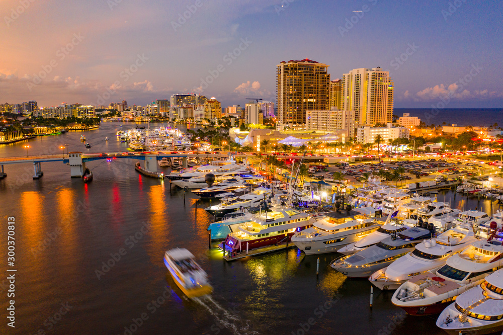 Fototapety, obrazy: Aerials of Fort Lauderdale boat show 2019