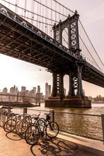 Manhattan Bridge In New York C...