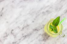 Lemon Lemonade In Mason Jar Gl...