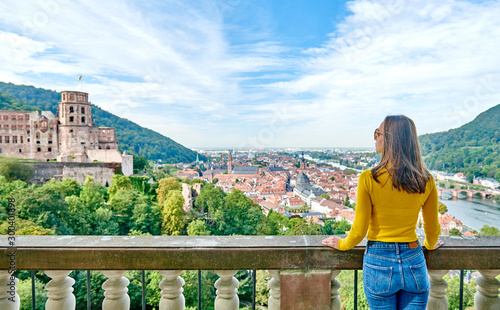 Obraz Tourist in Heidelberg town on Neckar river in Baden-Wurttemberg, Germany - fototapety do salonu