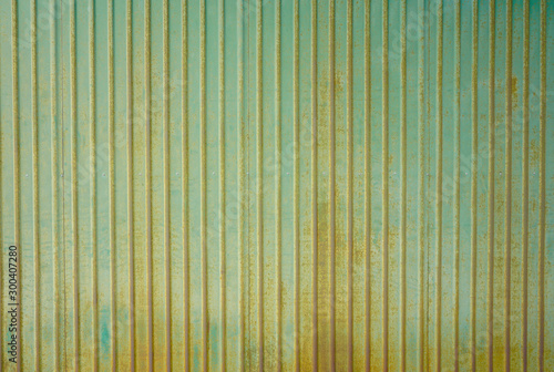 Foto  Corrugated green zinc wall texture surface or galvanize steel vertical backgroun
