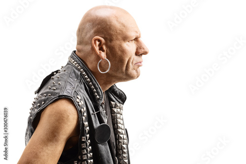Fotografía  Angry bald man in a leather vest